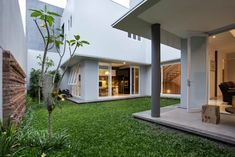 kbp house:  Rumah by e.Re studio architects