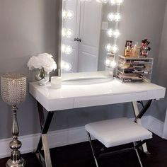 Oh my glamorous! Gorgeous glam space from @artistry_by_chantal ft. our #impressionsvanityglowxl⠀ ⠀ #impressionsvanity #glamroom #vanitymirror  via ✨ @padgram ✨(http://dl.padgram.com)