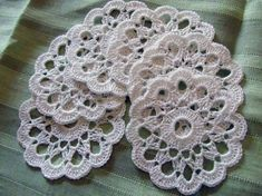 Coasters, groups of six, crocheted with linen yarn white or ecru. Handmade creation, any imperfections depend on manual processing. Crochet Coaster Pattern, Crochet Flower Patterns, Crochet Motif, Crochet Flowers, Hand Crochet, Crochet Round, Crochet Home, Cute Crochet, Crochet Leaves