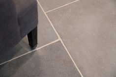 Windsor Light Grey limestone is an extremely dense, hard wearing pale grey stone ideal for high traffic floors and is suitable for both internal and external use. Limestone Paving, Flagstone Flooring, Limestone Flooring, Natural Stone Flooring, Grey Flooring, Kitchen Flooring, Floors, Step Treads, Patio Slabs