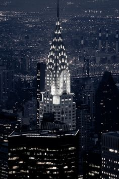 The Chrysler Building all lit up. The Chrysler Building is an Art Deco style skyscraper in New York City, located on the east side of Manhattan. New York. Chrysler Building, Empire State Building, Empire State Of Mind, Oh The Places You'll Go, Places To Travel, Places To Visit, New York City, Photo New York, Ville New York