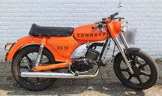 Moped Motorcycle, Bike, Motorcycle Companies, Motorized Bicycle, Old Motorcycles, Engine Block, Scooters, Mustang, Auction