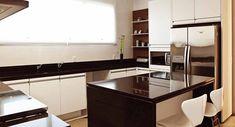 Pia de porcelanato cozinha chic E Design, Kitchen Cabinets, Table, Furniture, Home Decor, Bathroom, Bathroom Sinks, Toilet Decoration, Small Shower Room