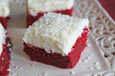 Red Velvet Sugar Cookie Bars from Jamie Cooks It Up Brownie Recipes, Cookie Recipes, Dessert Recipes, Mini Desserts, Delicious Desserts, Yummy Food, Red Velvet Chocolate Cake, Banana Upside Down Cake, Sugar Cookie Bars