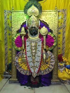 Jai Shree Krishna, Radhe Krishna, Radha Krishna Wallpaper, Fairs And Festivals, Hand Work Embroidery, Hindu Temple, Shiva, Flute, Jay