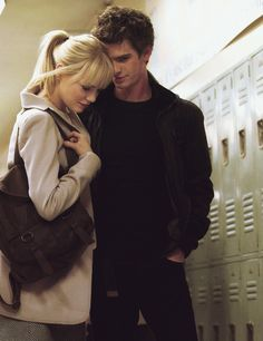 Gwen Stacy & Peter Parker aka Emma Stone and Andrew Garfield in 'The Amazing Spider-Man' Amazing Spiderman, Marvel Comics, Marvel Dc, Estilo Emma Stone, Emma Stone Andrew Garfield, Movies And Series, Spider Man 2, Movie Couples, Romantic Couples