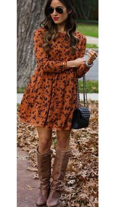 Women's autumn fashion inspo outfits are looking golden brown with a sleek black touch for a put together chic autumn outfit. #autumnoutfits #autumnoutfitcasual #autumnoutfitcute #autumnoutfitshopthislook #autumnoutfitshopcute #autumnoutfit2020 #autumnoutfitchic #womensfashion #cuteautumnoutfits #autumn #fall Bali Stil, Shop This Look Outfits, Rose Print Dress, Bali Fashion, Casual Fall Outfits, Fashion Outfits, Womens Fashion, Fashion Tips, Autumn Fashion