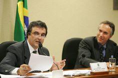 Cardozo vai para a AGU e aliado de Wagner assume Ministério da Justiça - Política - Estadão