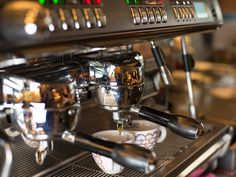 Unsere Kaffee-Maschine :-) Cafe Restaurant, Catering, Espresso Machine, Coffee Maker, Kitchen Appliances, Mediterranean Kitchen, Home Made, Kaffee, Coffee Maker Machine