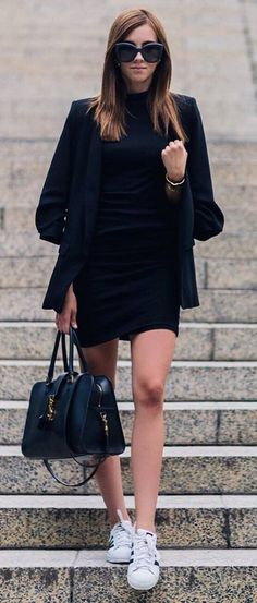 perfect black outfit idea