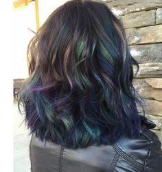 Dark haired guys and girls, rejoice! … Dark haired guys and girls, rejoice! More Exo Reactions ~ Englishindie scene style My Hairstyle, Pretty Hairstyles, Green Hair, Purple Hair, Brown Hair With Highlights, Coloured Highlights, Corte Y Color, Hair Color And Cut, Oil Slick Hair Color