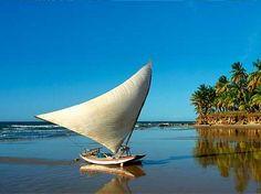 Rudimentary fishing boat. Find it in Ceará, Brazil