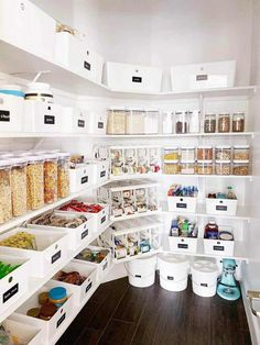 Pantry organization storage ideas, tips and tricks to get your space organized in the new year. # Pantry organization storage ideas, tips and tricks to get your space organized in the new year. Kitchen Pantry Design, Kitchen Organization Pantry, Home Decor Kitchen, Home Kitchens, Kitchen Ideas, Organized Pantry, Pantry Shelving, Bathroom Organization, Ikea Pantry
