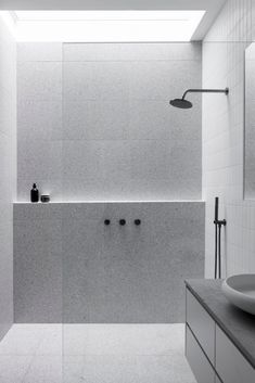 The bathroom has become increasingly important in the modern house with incredible shower designs and beautiful bathtubs. Minimalist Bathroom Design, Bathroom Design Luxury, Modern Bathroom Design, Bathroom Tile Designs, Contemporary Bathrooms, Bathroom Renos, Laundry In Bathroom, Small Bathroom, White Bathrooms