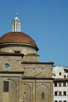 Basilica di San Lorenzo, la cupoletta a scaglie della Sagrestia Nuova di Michelangelo, Firenze (Toscana, Italy). - by Silvana, giugno 2014