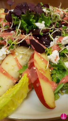 Rote-Bete-Apfel-Salat mit Himbeer-Dressing