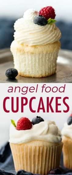 Topped with fluffy whipped cream and fresh berries, these angel food cupcakes ar. Topped with fluffy whipped cream and fresh berries, these angel food cupcakes are both refreshing a Desserts Sains, Köstliche Desserts, Delicious Desserts, Yummy Food, Food Deserts, Fresh Fruit Desserts, Plated Desserts, Cake Mix Cookies, Cookies Et Biscuits