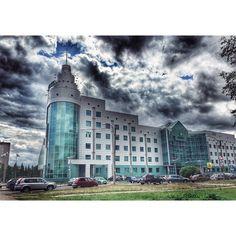 """#InstaSize #rus #city #clouds #sunny #summer #day #novgorod #nov_photo #vscocam #vscorus #weather #sberbank #incity #sber #building #walking #нарайоне…"""