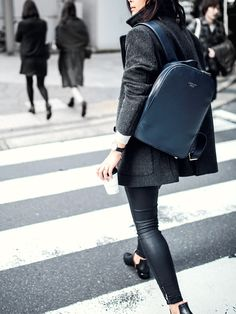 Lifestyle and street photography inspiration | Fashion photo | black and white style
