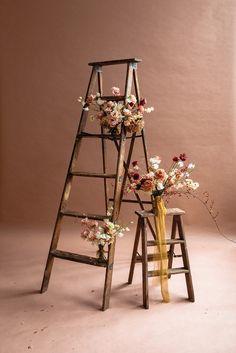 Modern mauve and yellow wedding palette and bridal inspo Kelsey Rose, Deco Boheme, Diy Photo Booth, Studio Shoot, Creative Photos, Earth Tones, Floral Arrangements, Flower Arrangement, Architecture Design