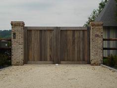 Pose de portail bois de haute qualité