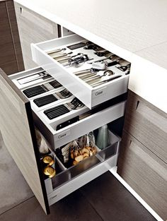lack of storage space in small kitchens is a serious problem. creative ideas with you for a small kitchen storage space. Clever Kitchen Storage, Kitchen Storage Solutions, Kitchen Cabinet Storage, Modern Kitchen Cabinets, Kitchen Cabinet Design, Kitchen Organization, Diy Kitchen, Kitchen Decor, Kitchen Small