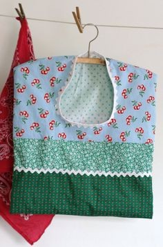Clothespin Bag Green & Blue with White Ric Rac