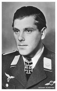 Lt. Herbert Schramm. Flugzeugf. en III./J.G. 53. RK. 6.8.1941. EL. (736) 11.2.1945. + 1.12.1943 sobre Eupen.