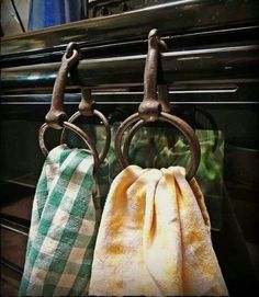 Best Snap Shots Western Decor camper Style Western decorating is simple to accomplish with regard to each room in the home. Country Decor, Rustic Decor, Farmhouse Decor, Western Kitchen Decor, Vintage Western Decor, Cowboy Home Decor, Kitchen Rustic, Antique Decor, Rustic Wood