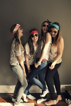 sunglasses and bandanas= BFF photoshoot! Best Friend Pictures, Bff Pictures, Cute Photos, Best Friend Fotos, My Best Friend, Schmidt, Best Friend Photography, Group Photography, Friend Poses