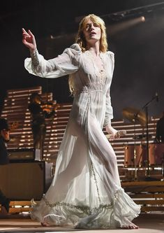 Florence Welch Proves She's Still the Queen of Bohemian Style Boho Chic, Bohemian Style, Kari Jobe, Pentatonix, Elizabeth Olsen, Gucci Florence, Vogue Paris, Florence Welsh, Florence Welch Style