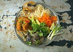 This delicious Vietnamese Noodle Bowl is the perfect winter warmer Vietnamese Noodle, Noodle Bowls, Noodles, Ethnic Recipes, Food, Pasta Noodles, Noodle, Hoods, Meals
