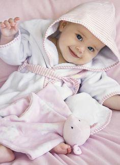 MAYORAL. Newborn Accessories. Con B de bebé (#9).
