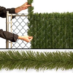 3 Simple and Creative Tricks Can Change Your Life: Steel Fence Projects chain link fence front yard.Iron Fence Planters stone fence with iron.Small Fence For Dogs. Outdoor Projects, Home Projects, Artificial Hedges, Backyard Landscaping, Backyard Ideas, Fence Ideas, Diy Fence, Landscaping Ideas, Backyard Privacy