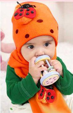 Orange Pair of Soft Beetle Muffler and Cap for Newborn Babies in India f97df120c87