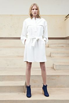These navy wedges & white trenchcoat dress | Chloé Resort 2014 Collection { fashion } { style } { spring }