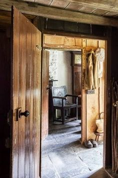 Oversized Mirror, Bb, Furniture, Home Decor, Home Decoration, Farm Cottage, Cottage Chic, Decoration Home, Room Decor