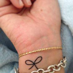 Small bow tattoo, i like this bow