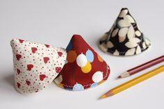Lot de 3 cônes STOP PIPI - Coeurs/ballons/feuilles - Coton : Puériculture par lucielauv