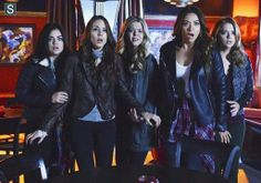 Pretty Little Liars   Season 4   Promotional Episode Photos   Episode 4.24 - A is for Answers