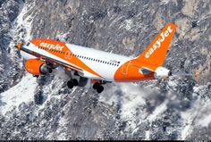 The brand new EasyJet livery.  EasyJet Airline. Airbus A319-111.