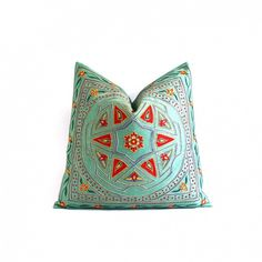 The Best Throw Pillow Combinations for Every Style via @domainehome