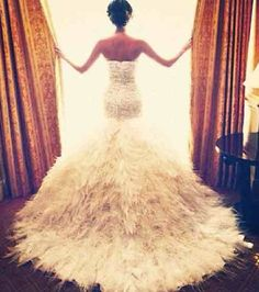 Feather Wedding Dress - A strapless wedding gown with a cascade of feathers leading to a lush feathery train. Perfect Wedding, Dream Wedding, Wedding Day, Wedding Bride, Wedding Reception, Wedding Unique, Wedding Kiss, 1920s Wedding, Luxe Wedding