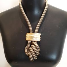 Braided Necklace, Rope Necklace, Crochet Necklace, Pearl Necklace, Rope Jewelry, Jewelry Necklaces, Haberdashery, Diy And Crafts, Creations