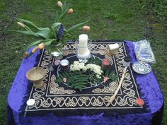 Isn't this a lovely picture of a Beltane altar?  Found it while surfing for ritual ideas.