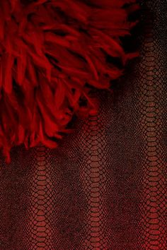 elliseye - Gorgeous Fuscia JuJu Hat on Gold Lizard skin wallpaper creates this wonderful look of boudoir glamour! Brave Wallpaper, Juju Hat, Snake Skin, Glamour, Interior Design, Boudoir, Gold, Fashion, Nest Design