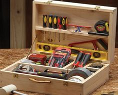 Wood Tool Box, Wooden Tool Boxes, Wood Tools, Woodworking Box, Popular Woodworking, Woodworking Projects Plans, Tool Wall Storage, Small Storage, Diy Wooden Projects