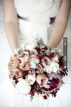 Love this - Unique vintage bouquet | CHECK OUT MORE GREAT VINTAGE WEDDING IDEAS AT WEDDINGPINS.NET | #weddings #vintagewedding #weddingvintage #oldweddingphotos #events #forweddings #iloveweddings #romance #vintage #planners #old #ceremonyphotos #weddingphotos #weddingpictures