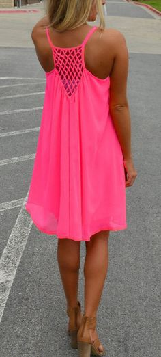 Love this bright dress for the summer! The detailing on the back is perfect too! For a comfy casual, or a dressed up look, check out Blush and Bashful Boutique in Vicksburg, MS! You wont be disappointed! Our website is www.blushandbashfulboutique.com Womens Clothing Stores, Clothing Styles, Woman Clothing, Cheap Boutique Clothing, Discount Womens Clothing, Clothes For Women, Ladies Fashion, Cheap Fashion, Fashion Outfits