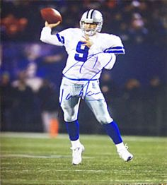 Tony Romo Autographed 16×20 Photo
